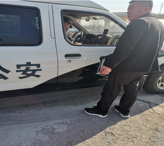 """山西阳高:高速交警执法,视司机生命安全为儿戏,谁给了这个""""胆""""?"""